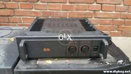 Toa P15D power amplifier Made in Japan heavy duty for commercial
