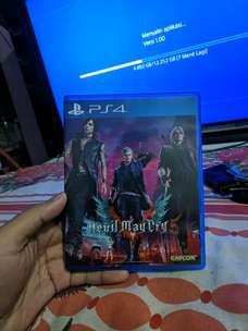jual  BD Game Devil May Cry 5 PS4 DLC utuh Like New