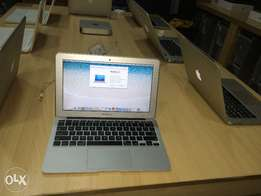 Apple MacBook Air 11 inches 2013 mid