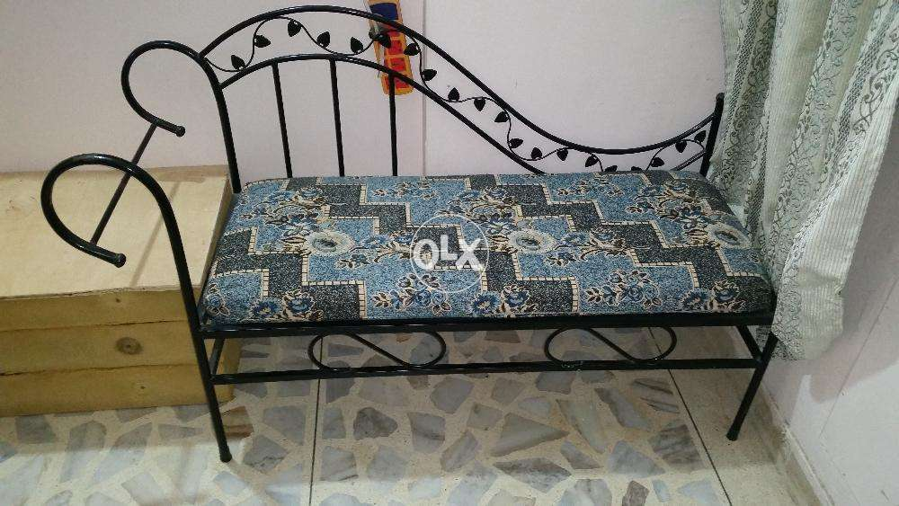 Delicieux Stylish Iron Sofa, Seti And Table