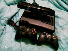 Xbox360+ kinect + extra controller.frm UK.
