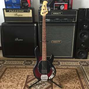 BILLY MUSIK - Bass Sterling Musicman SUB Series Ray4 Ray 4 Active