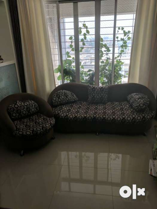 Four Sitter well mention Sofa for Hall Pune Services  : images1000x700inslot1filenamem7szb7hr9p4a2 IN from www.olx.in size 525 x 700 jpeg 32kB