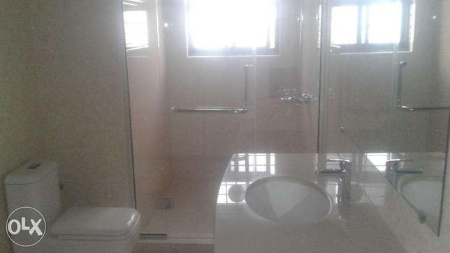 kanal upper portion , 2 beds marble and chip flooring