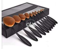 Makeup Brushes Pack of 10 Different Size Brushes New Box Packed