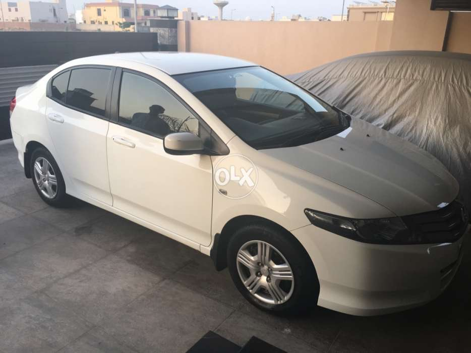 Honda City 2010 White Colour Islamabad Registered Manual