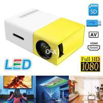 Urgent sale Come from UAE projector