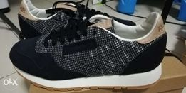 6a1f606dbfd Reebok classic leather gumsole size 85 not iverson nike new balance