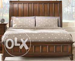 Light brown wooden akhroot finishing bed