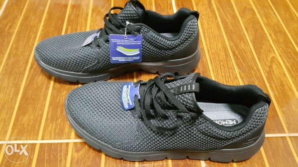 4bbeb885e31 ... Nike Cap New era manchester levis pants skechers sz95 10 running shoe  ...