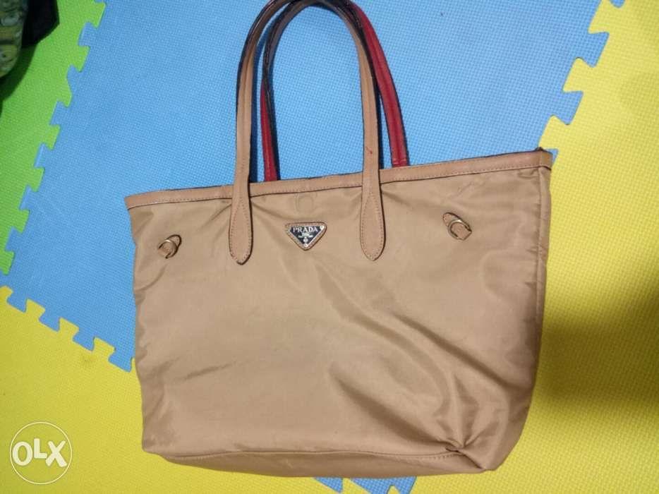 Prada reversible tote bag in Quezon City 73a856bebd2d7