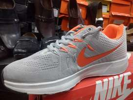 the best attitude 5108f c79bd 30% off Crazy deal, 1st copy Nike Air max, made in Vietnam.