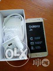Get a Chance To b Enjoyment !Samsung Galaxy J5 -Front-Camera LED Flash