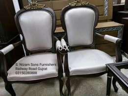 Beautiful Brand new bedroom chairs set with coffee table