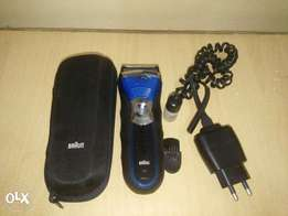 Braun Series 3 380s-4 Rechargeable Wet and Dry