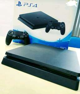 PS 4 500GB Lengkap warna hitam Bonus game