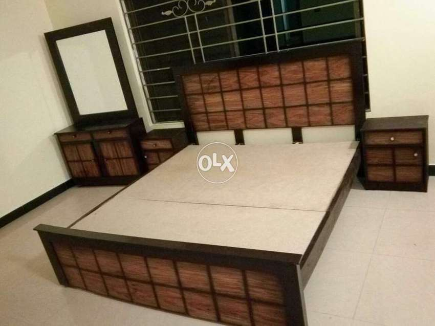 Bad dressing two side table different design low price Mein ...