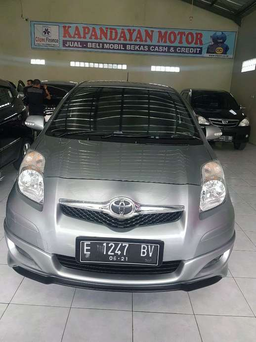 Toyota Yaris th 2011 Automatic Kuningan  118 Juta