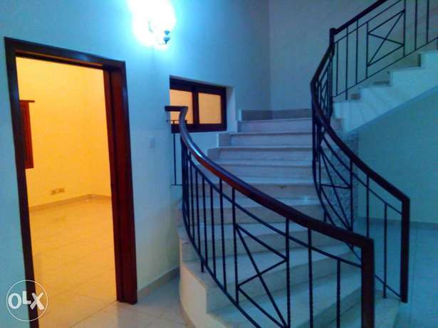 PECHS, bungalow portion, 600sy, maintained, 5 to 6 rooms, marble floor