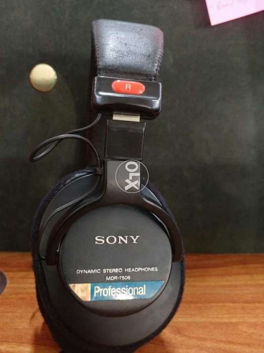 bc772afc95a Sony MDR-7506 (Professional Studio Monitoring Headphones) - TV ...