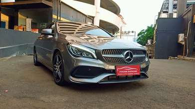 Mercy Cla 200 Sport AMG Line 4d Coupe AT 2018 Abu Metalik Km1rb an