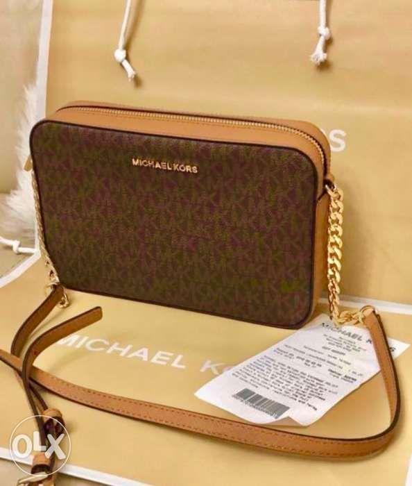 authentic mk sling bag in Quezon City 5e1093bf4d19c