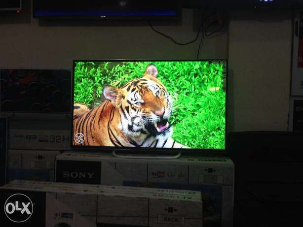 32 inch ALso 3D smart available Samsung Series B4200 usb hdmi vga&pc