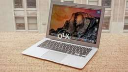 "MacBook Air 13.3"" Core i5 Ram 8 SSD 256 Mid 2014 Brand New Condition"