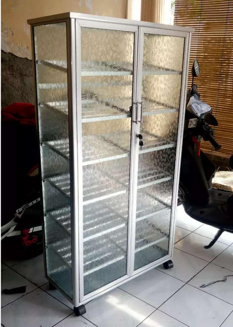 Rak Sepatu Aluminium Frame Putih 7 Susun Roda 75 135 Kaca Es