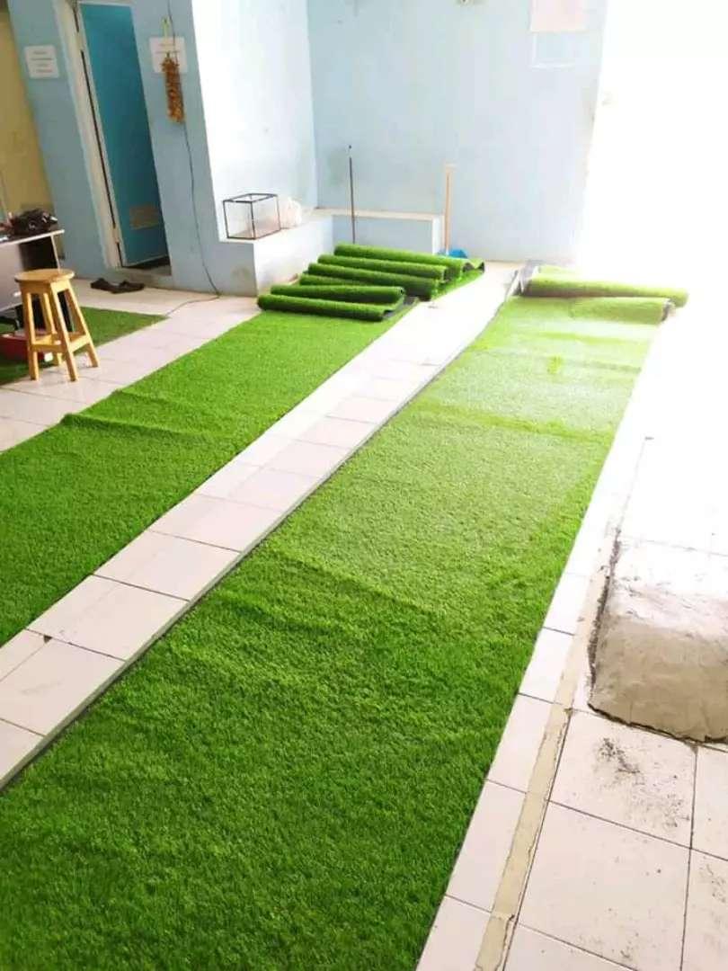 Desain Taman Pakai Rumput Sintetis Dekorasi Ruangan Luar Dan Dalam