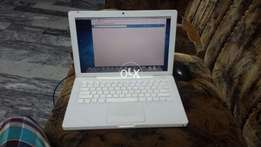 Apple MacBook mint condition 10/10