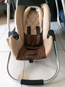 Carseat / Baby Carrier Babyelle