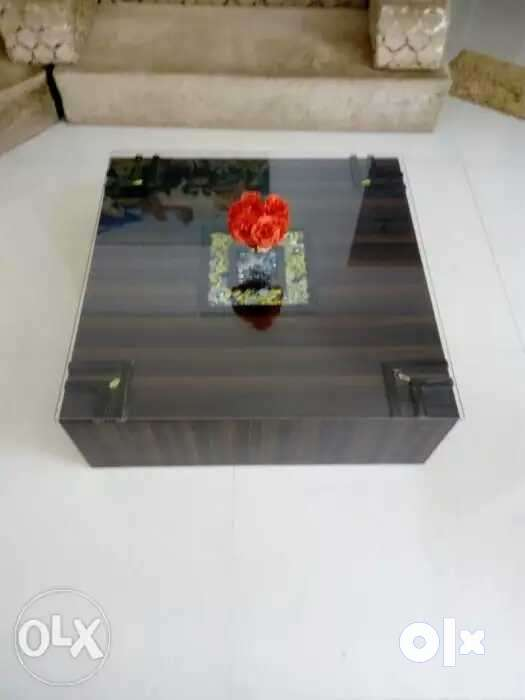 Coffee Table Size 3ft By 3 Ft High 15