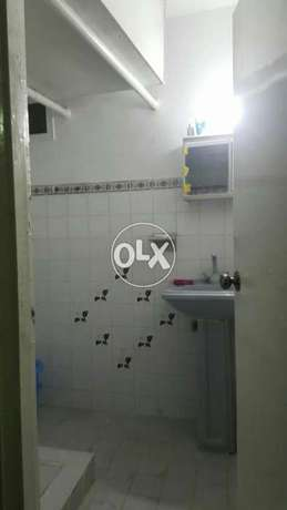 2 bed dd 120yrds for rent in johar blk 12