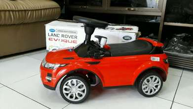 Mainan ride-on mobil anak Land Rover