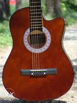 Brown Acoustic Guitar 100% All Soung Codz Play with Warrenty ツ ツ