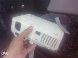 Multimedia Projector available all types for Office School Meetings