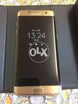 SamsunG galaxy S7 edge Gold At&t Excellent condition