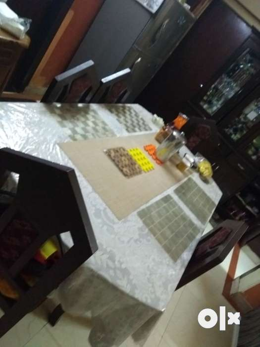 6 seater v large dining table Delhi Furniture Dwarka  : images1000x700inslot1filenamernhs4ueze1c11 IN from www.olx.in size 525 x 700 jpeg 29kB