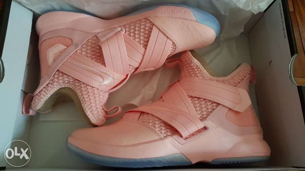 6094e32e0a8 Lebron Soldier 12 Soft Pink US Size 7.5 Nike Kobe Curry Brand New in ...