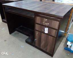 Office table(P.O.T model 2.5by4)brand new