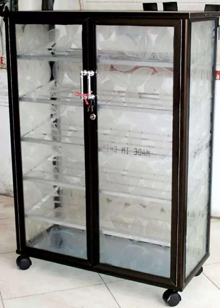 Rak Sepatu Aluminium 5 Susun Roda 74 104 Frame Coklat Kaca Es