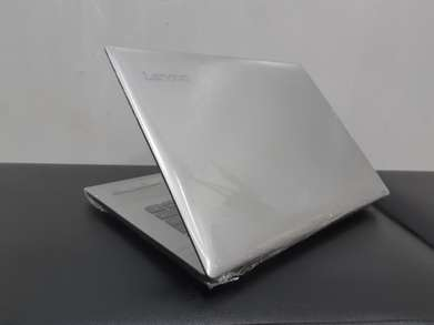 Lenovo Ideapad 320 Intel Core i3-6006U Nvidia geforce 920MX