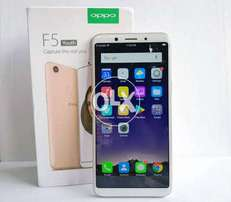 Selling oppo f5 youth packing and warranty