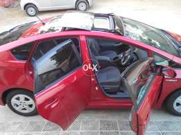 Toyota Prius S package with solar panels and sunroof
