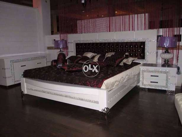 Bed set bed with side tables and dressing tables