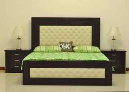 Sell bed king size with side tables
