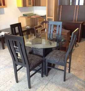 4 Seets Dining Table