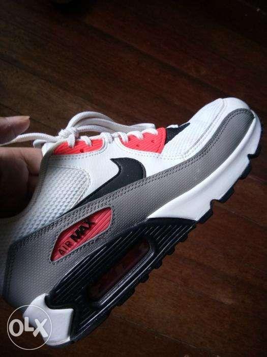 9c5d29a426c Women s Nike Air Max 90 in Quezon City