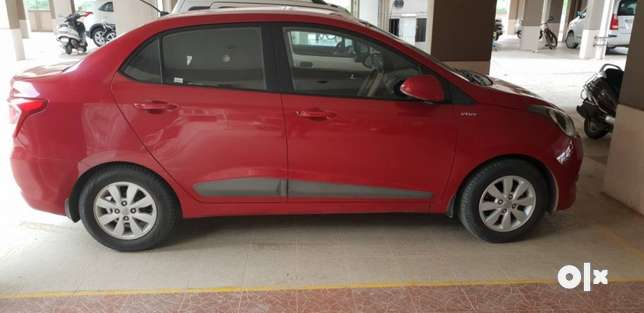 Hyundai Xcent petrol s(o)with ABS and Alloy wheels